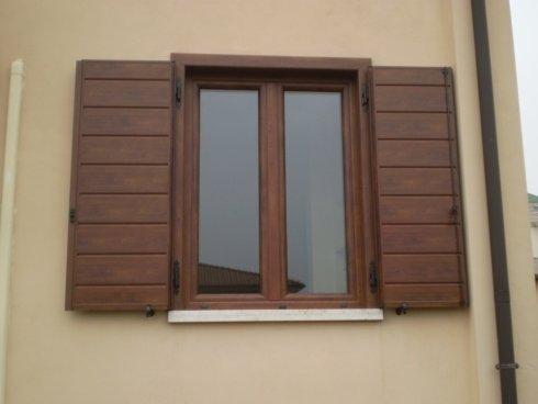 Persiane in alluminio effetto legno a scandole orizzontaliverticali Allfer Castenedolo Brescia